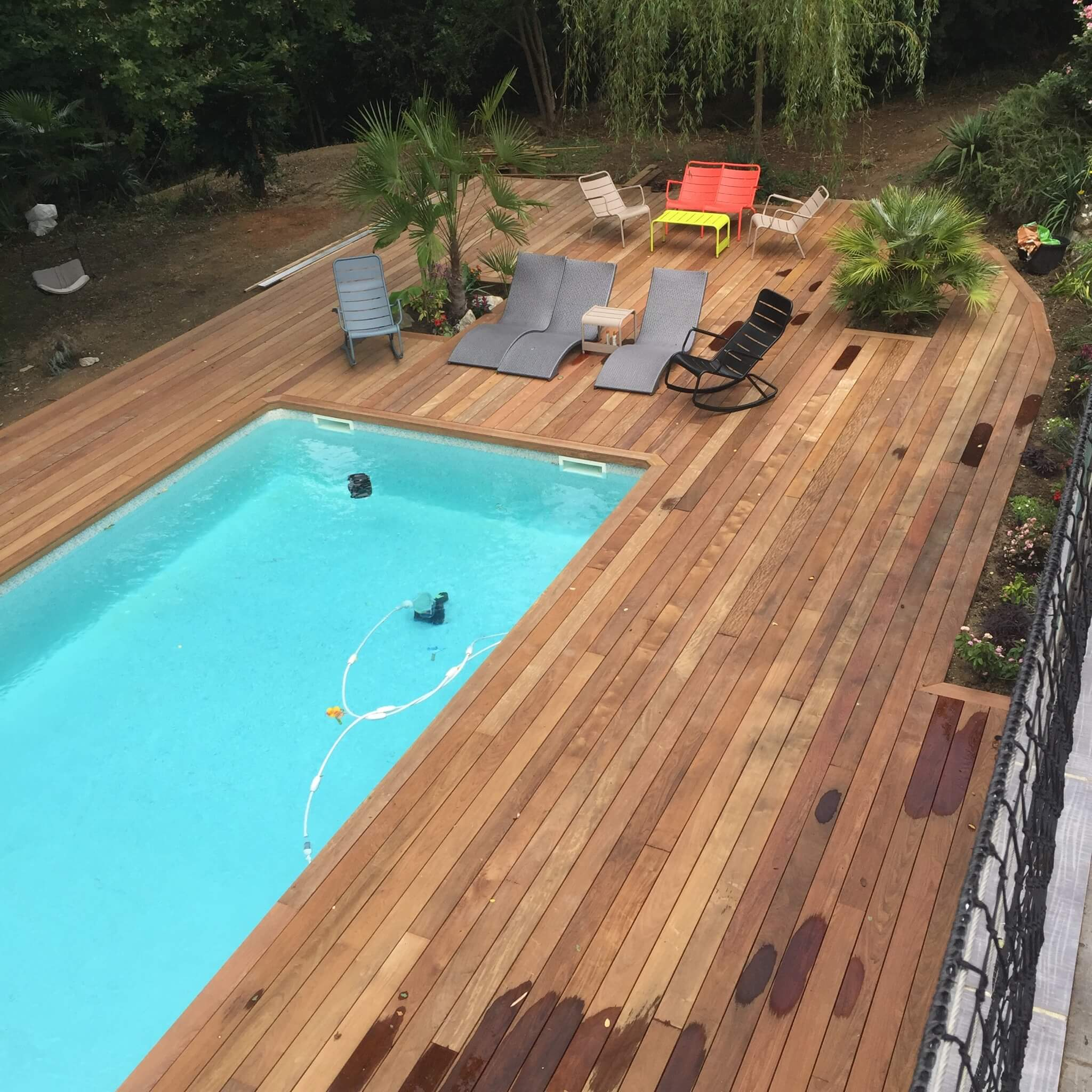 Terrasse bois piscine construction 4 c2z entreprise for Construction piscine bois